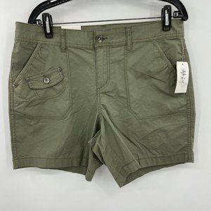 Style & co Mid Rise Green Shorts Size 12P NWT